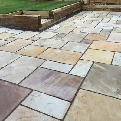 EM Calibrated Smooth Natural Sandstone Paving Fossil Patio Pack (15.3m²)