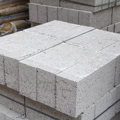 140mm Build Bloc Dense Concrete Block 7.3N 215mm x 440mm