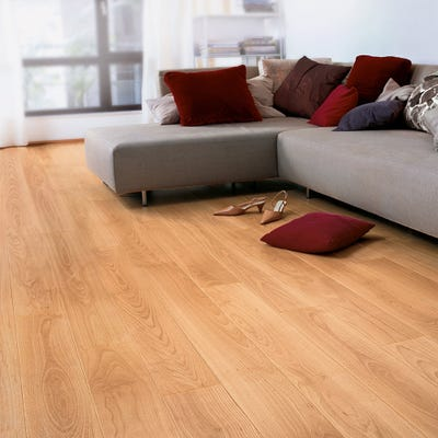 Quick Step Perspective UF866 Varnished Beech Laminate Flooring