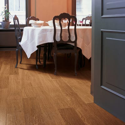 Quick Step Perspective UF918 Dark Varnished Oak Laminate Flooring