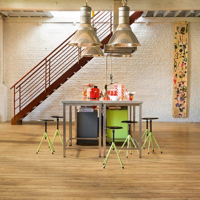 Quick Step Perspective Wide ULW1541 Reclaimed Chestnut Natural Laminate Flooring