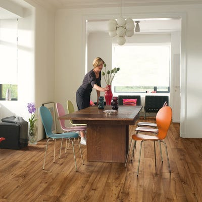 Quick Step Perspective Wide UFW1543 Reclaimed Chestnut Antique Laminate Flooring