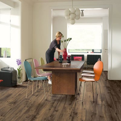 Quick Step Perspective Wide UFW1544 Reclaimed Chestnut Brown Laminate Flooring
