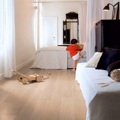 Quick Step Impressive IM3105 White Varnished Oak Laminate Flooring