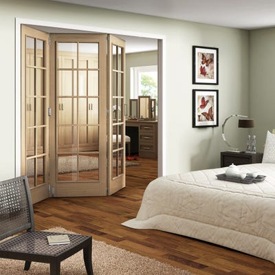 Jeld-Wen Internal Oak Huntingdon 10L Clear Glazed 3 Door Roomfold