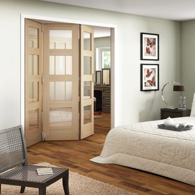 Jeld-Wen Internal Oak Shaker 4L Clear Glazed 3 Door Roomfold