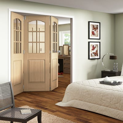 Jeld-Wen Internal Oak Huntingdon 6L Clear Glazed 3 Door Roomfold 2047 x 2157 x 92mm