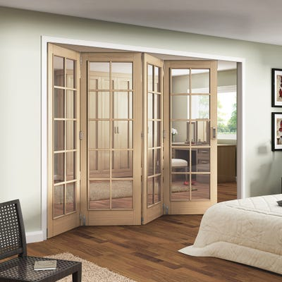 Jeld-Wen Internal Oak Huntingdon 10L Clear Glazed 4 Door Roomfold