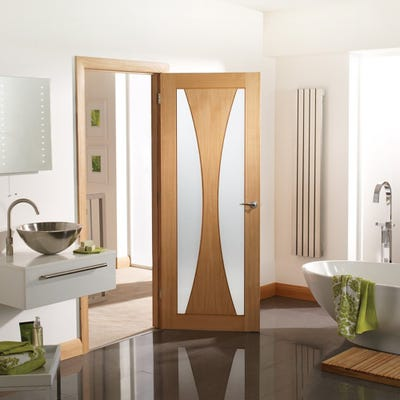 XL Joinery Internal Oak Verona 2L Clear Glazed FD30 Fire Door 1981 x 686 x 44mm