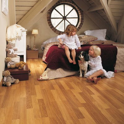 Quick Step Classic CL998 Enhanced Oak Natural Varnished Laminate Flooring