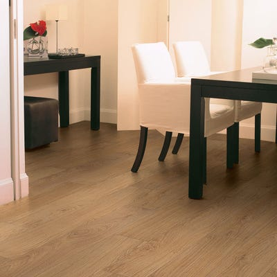 Quick Step Classic CLM1292 Natural Varnished Oak Laminate Flooring