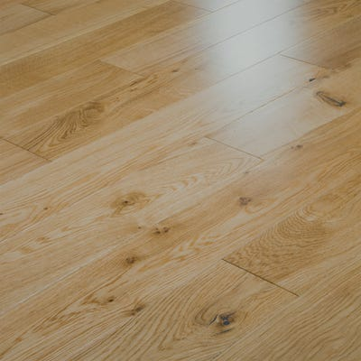 18 x 125mm Oak Lacquered T&G Engineered Wood Flooring