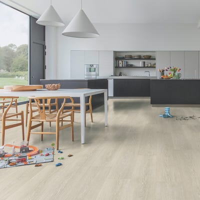Quick Step Majestic MJ3554 Valley Oak Light Beige Laminate Flooring