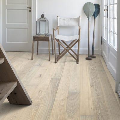 Kahrs 15 x 187mm Oak Nouveau Blonde Matt Lacquered Click Engineered Wood Flooring