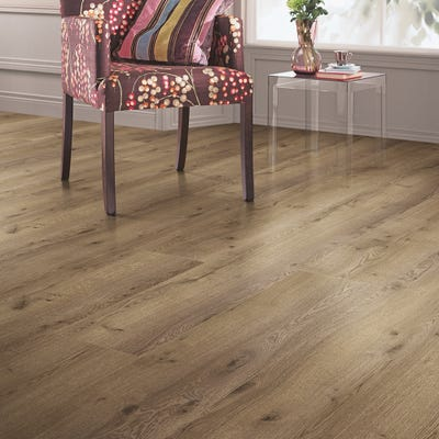 Elka 8mm Nutmeg Oak ELW124 Long Plank Laminate Flooring
