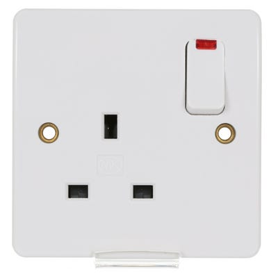 MK 13A 1 Gang DP Switched Socket K2657WHI