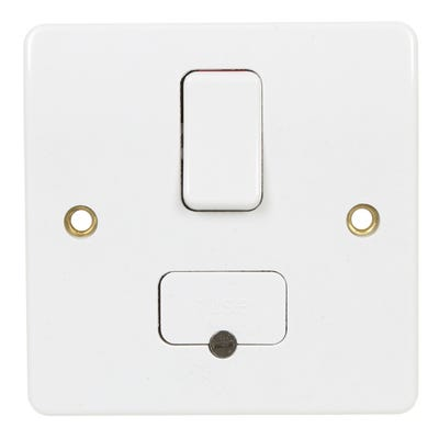MK White 13A Switched Fused Spur & Bottom Cable Outlet K330WHI