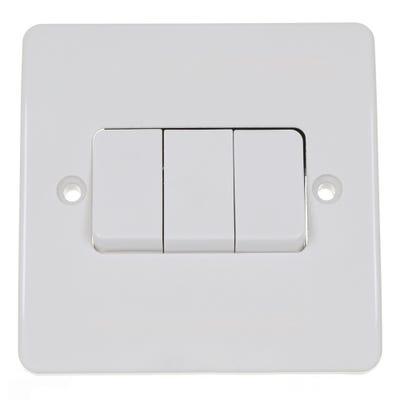 MK 10A 3 Gang 2 Way Light Switch K4873WHI
