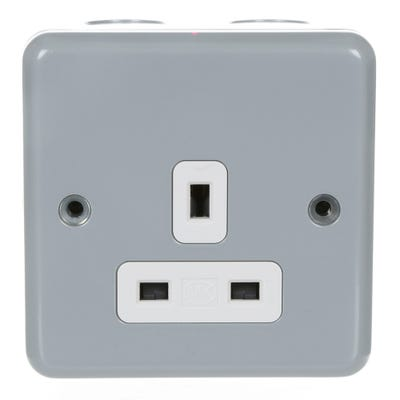 MK Metal Clad Plus Socket Outlet Unswitched Aluminium K848ALM