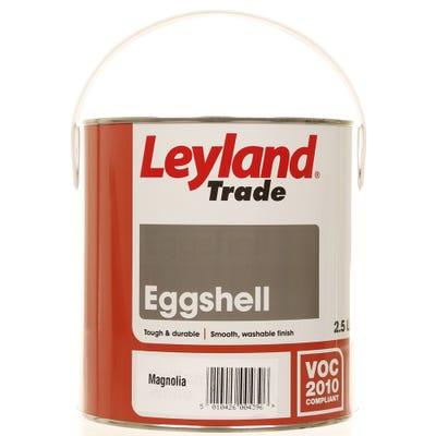 Leyland Trade Eggshell Magnolia