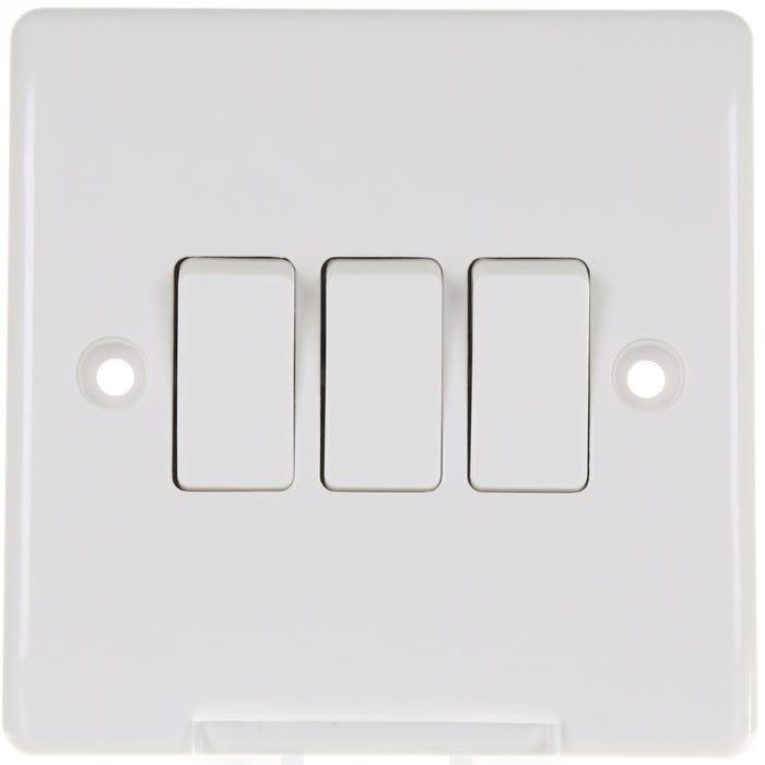 BG Nexus 10A 3 Gang 2 Way Light Switch 843-01