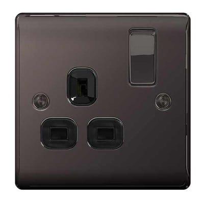 BG Nexus Screwless Flatplate 13A 1 Gang Double Pole Switched Socket Black Nickel FBN21B-01